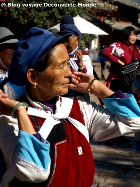 naxi costumes traditionnels
