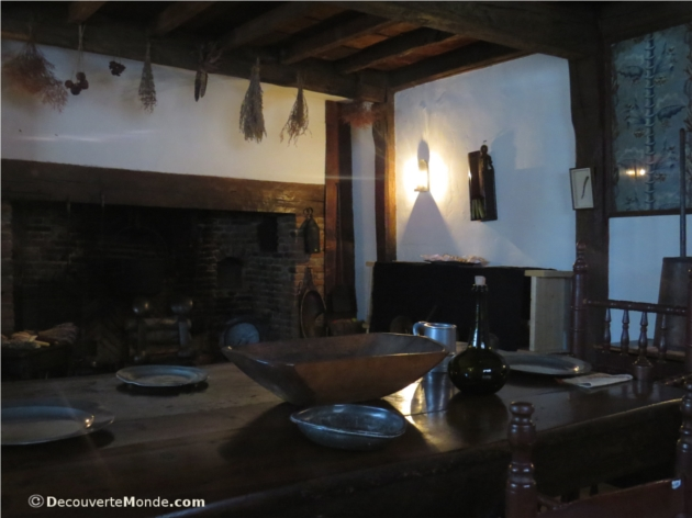 visiter salem house witch