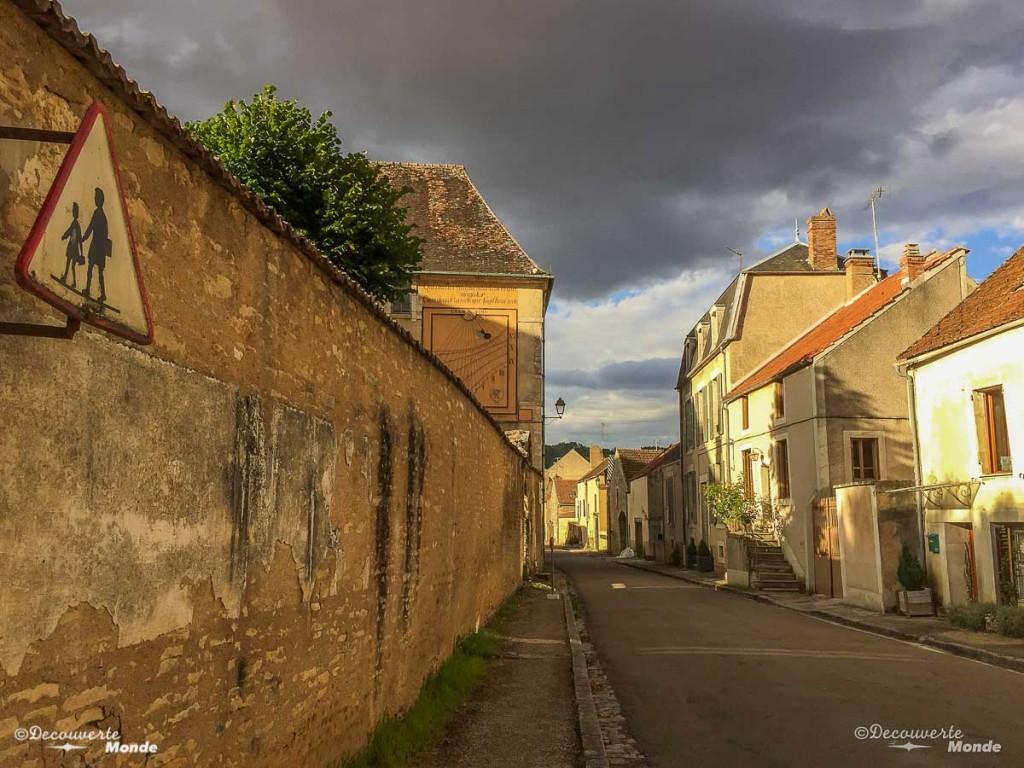 noyers-sur-serein bourgogne france