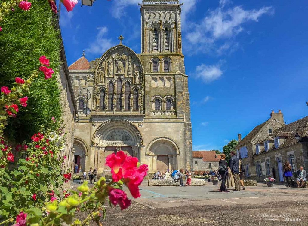 village Vézelay Bourgogne