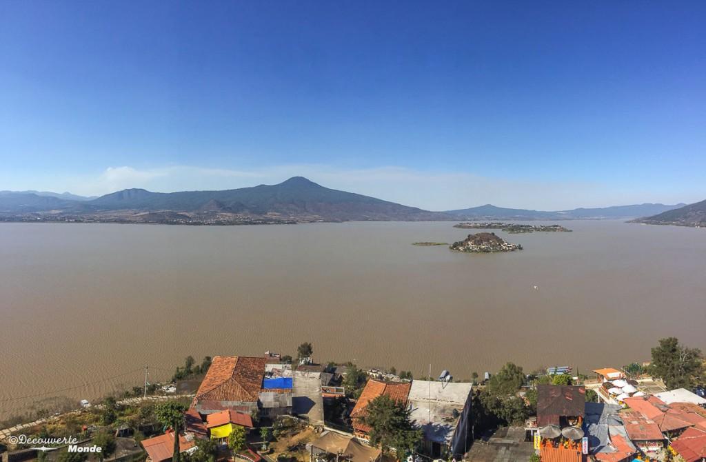 vue sommet île de janitzio