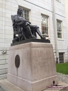 statue vieux-montréal