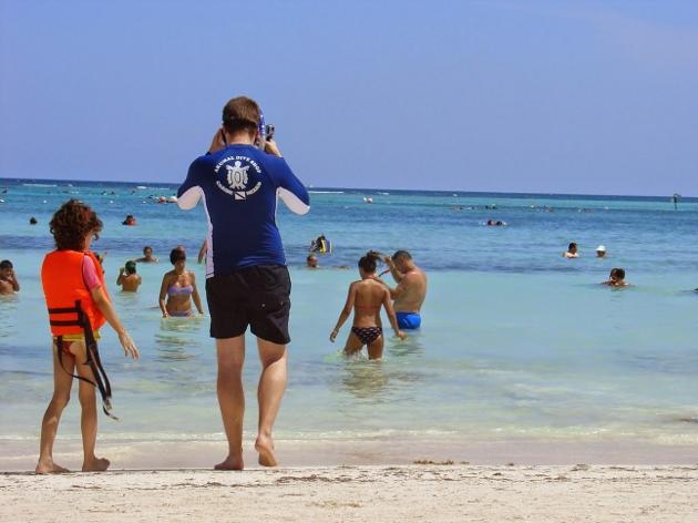 plage voyager avec enfant