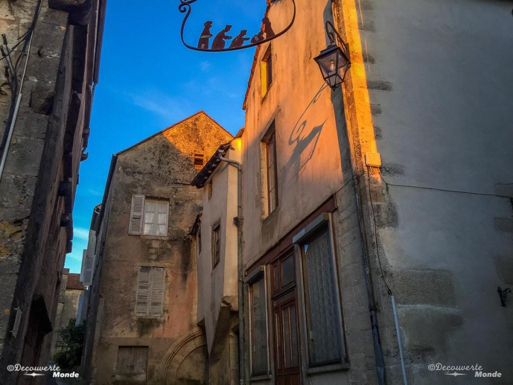 visiter Bourgogne Flavigny-sur-ozerain