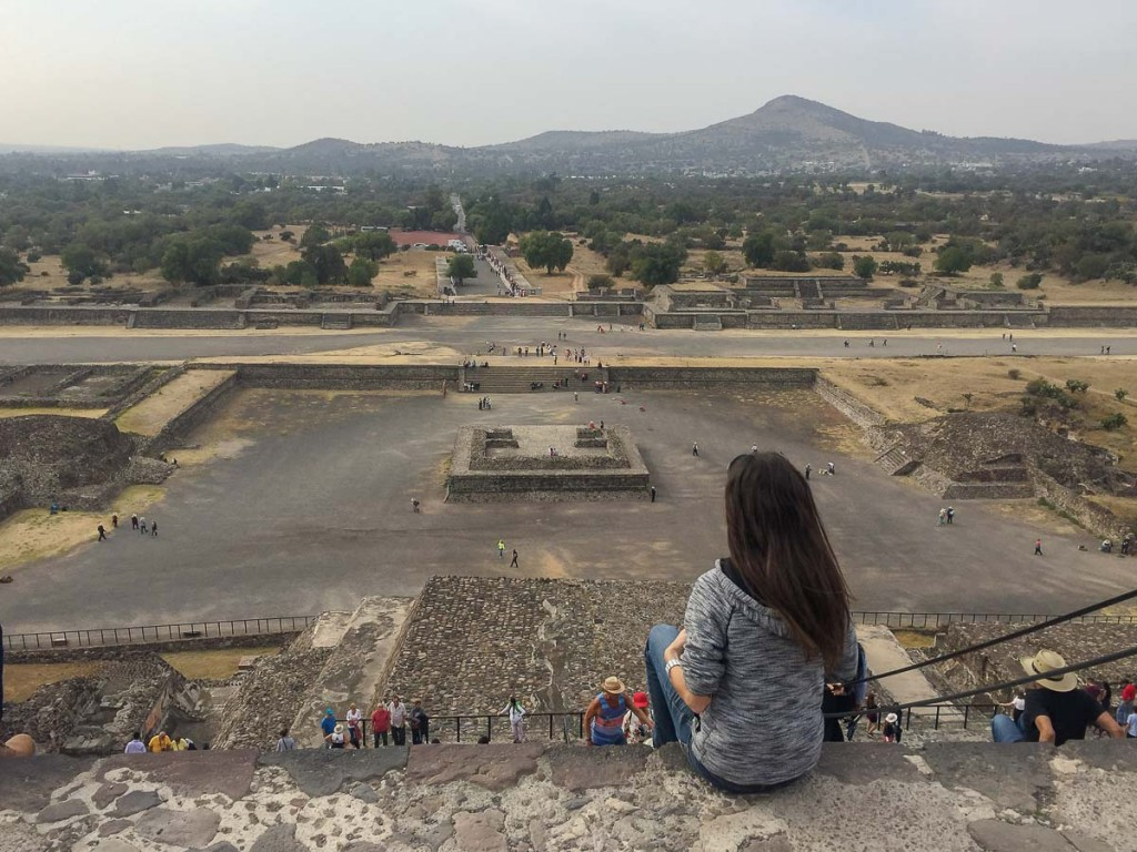 ascension pyramide teotihuacan