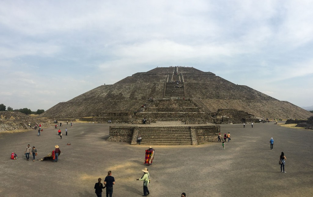 teotihuacan pyramide du soleil mexico