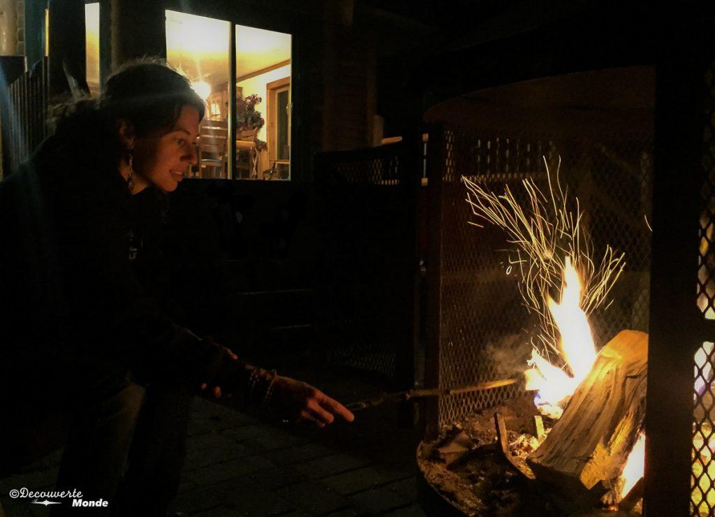 feu Chalet en Bois Rond Québec