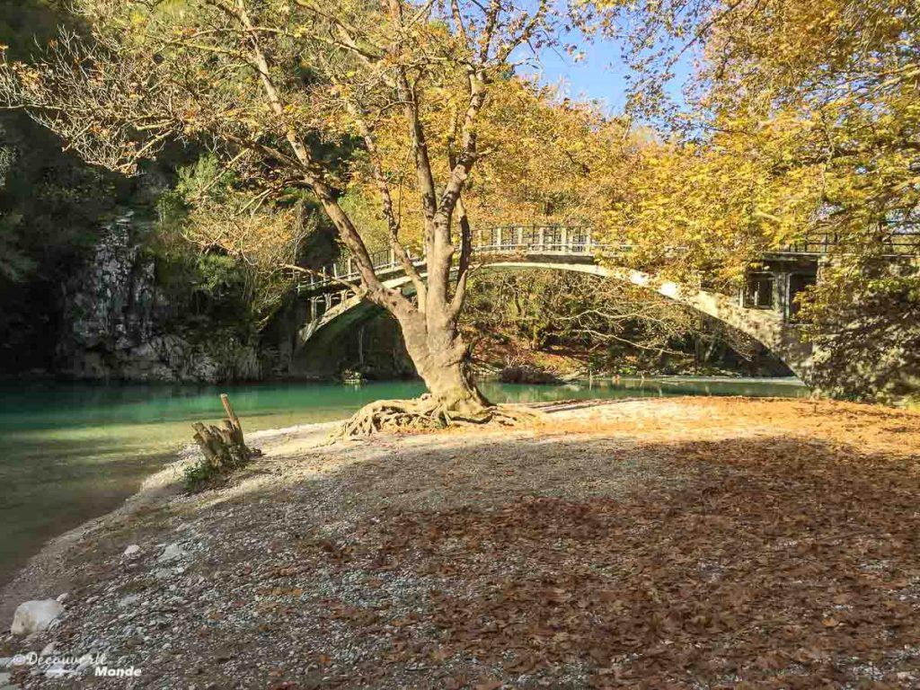 rivière gorges de vikos