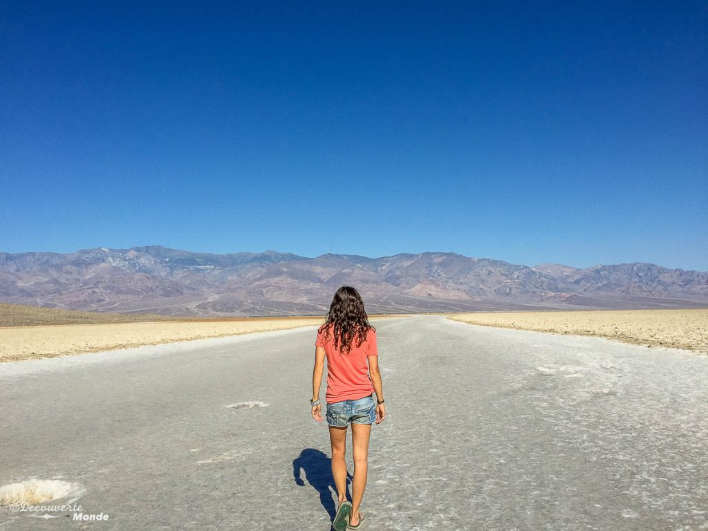 badwater visiter death valley