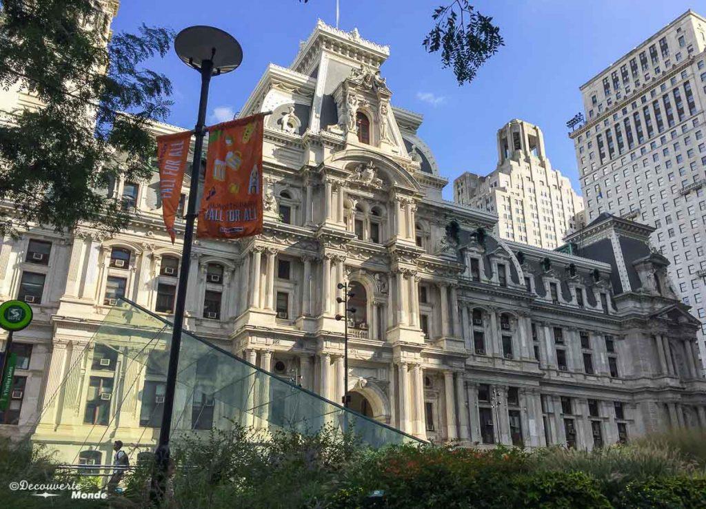 Que faire à Philadelphie et visiter en 10 coups de coeur. Ici le City Hall. Retrouvez l'article ici: https://www.decouvertemonde.com/quoi-faire-a-philadelphie-visiter