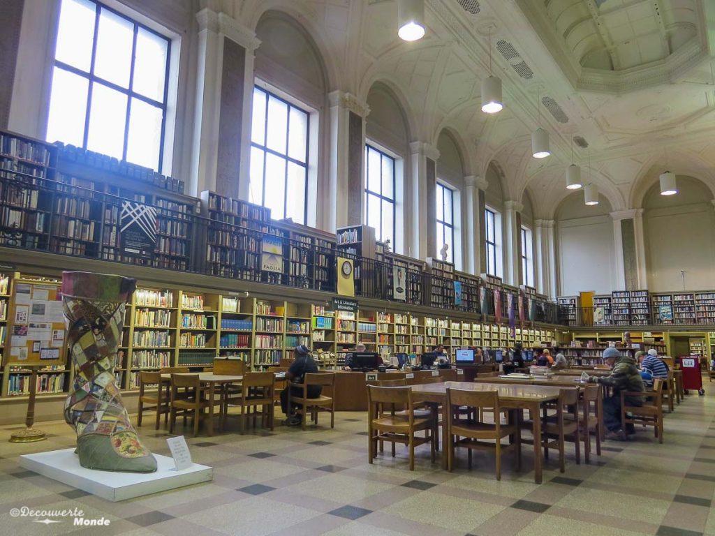 Que faire à Philadelphie et visiter en 10 coups de coeur. Ici la Free Library. Retrouvez l'article ici: https://www.decouvertemonde.com/quoi-faire-a-philadelphie-visiter