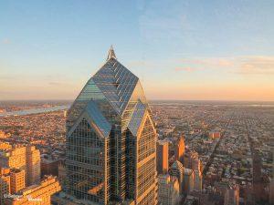 Quoi faire à Philadelphie et visiter en 10 coups de coeur. Ici la vue de la One Liberty Tour. Retrouvez l'article ici: https://www.decouvertemonde.com/quoi-faire-a-philadelphie-visiter