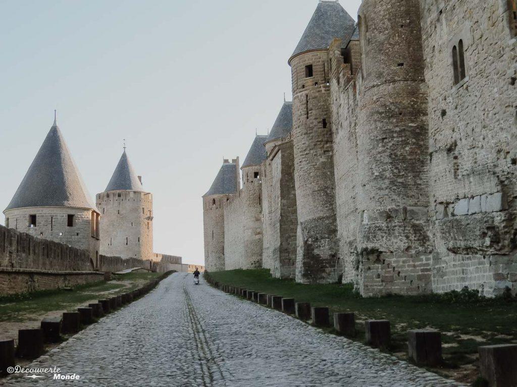 Visiter l'Aude pays Cathare en 7 idées de choses à faire. Ici découverte de Carcassonne. Retrouvez l'article ici: https://www.decouvertemonde.com/visiter-l-aude-pays-cathare