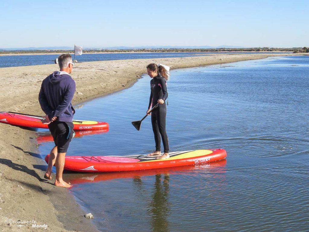 Visiter l'Aude pays Cathare en 7 idées de choses à faire. En paddleboard au Glisse&kite. Retrouvez l'article ici: https://www.decouvertemonde.com/visiter-l-aude-pays-cathare