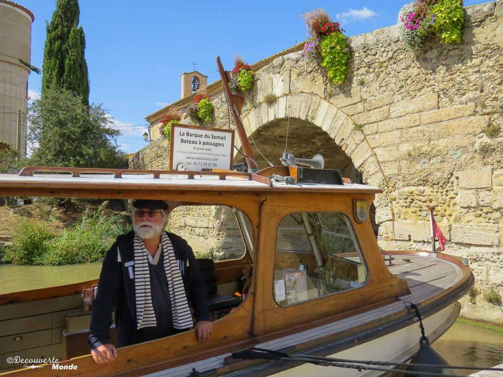 Visiter l'Aude pays Cathare en 7 idées de choses à faire. Balade en bateau sur le Canal du Midi au Somail. Retrouvez l'article ici: https://www.decouvertemonde.com/visiter-l-aude-pays-cathare