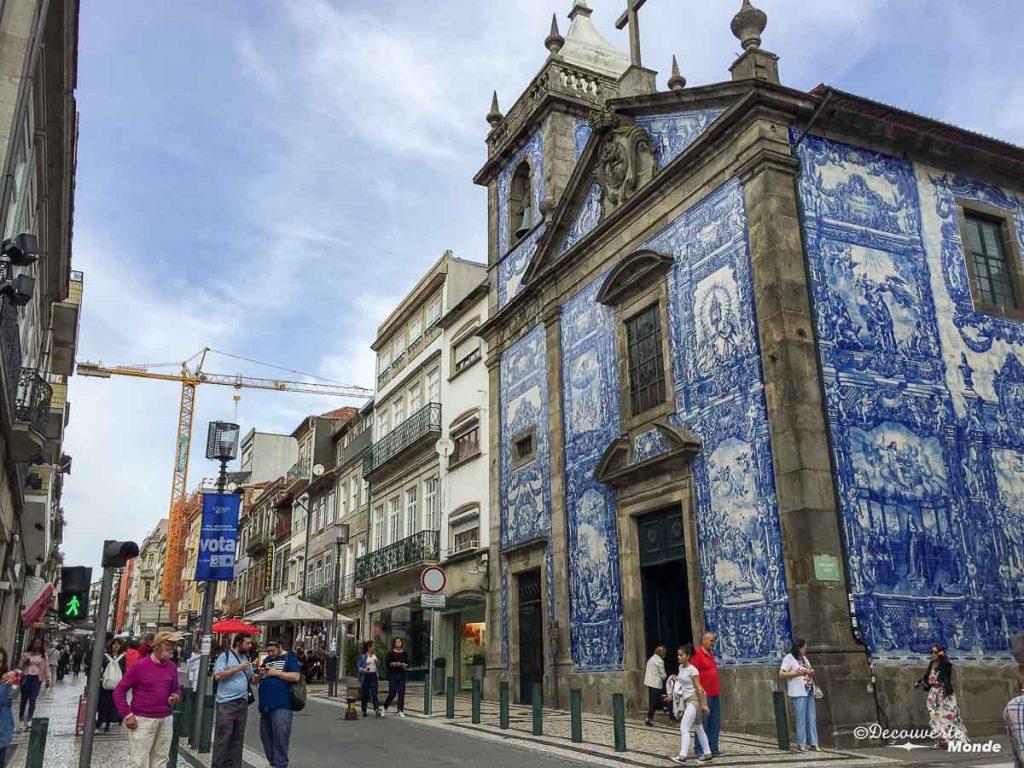 Où aller au Portugal : Mon itinéraire pour visiter le Portugal en 7 jours. Ici la chapelle des âmes à Porto. Retrouvez l'article ici: https://www.decouvertemonde.com/ou-aller-au-portugal-itineraire-visiter-7jours