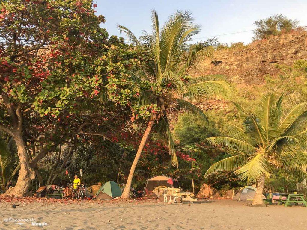 Big Island : Mon voyage de 10 jours sur la plus grande des îles d'Hawaii. Ici sur la plage d'Ho'okena où nous avons dormi. Retrouvez l'article ici: https://www.decouvertemonde.com/big-island-voyage-iles-hawaii