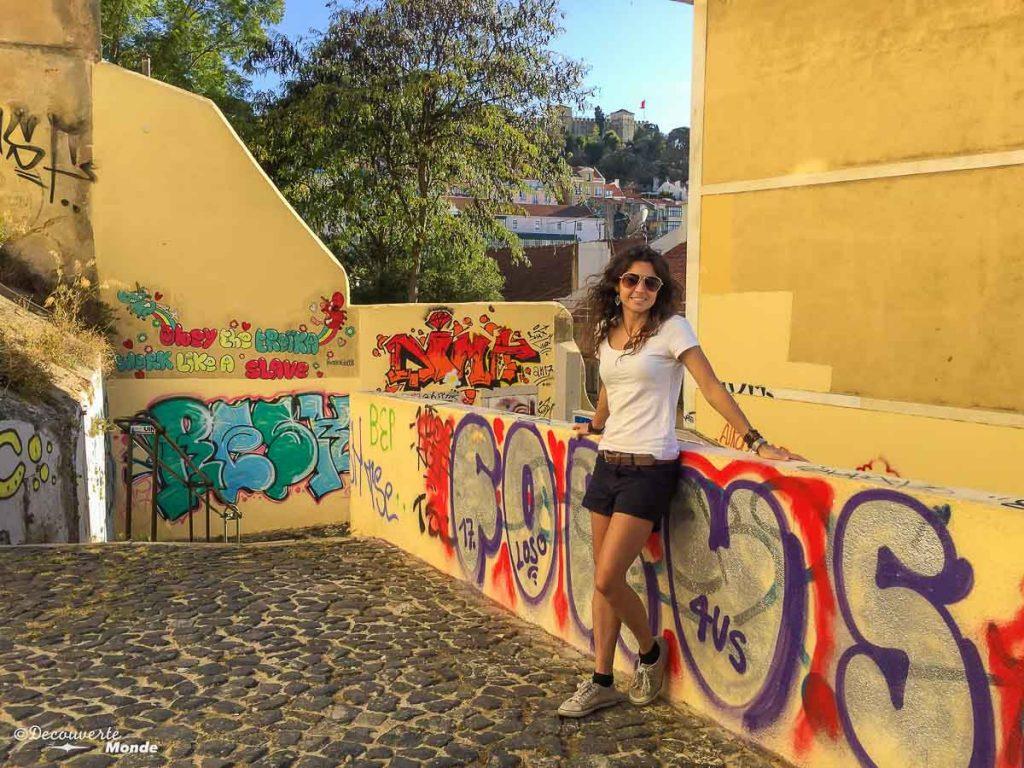 Où aller au Portugal : Mon itinéraire pour visiter le Portugal en 7 jours. Ici dans les rues de Lisbonne. Retrouvez l'article ici: https://www.decouvertemonde.com/ou-aller-au-portugal-itineraire-visiter-7jours