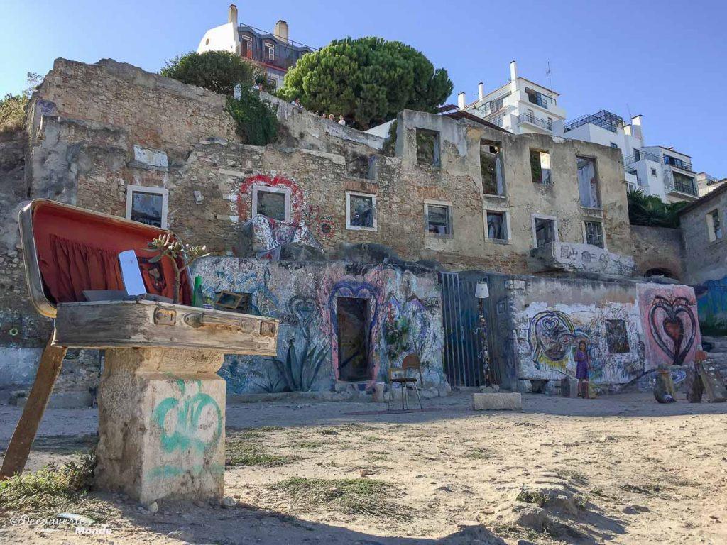 Où aller au Portugal : Mon itinéraire pour visiter le Portugal en 7 jours. Ici une oeuvre urbaine à Lisbonne. Retrouvez l'article ici: https://www.decouvertemonde.com/ou-aller-au-portugal-itineraire-visiter-7jours