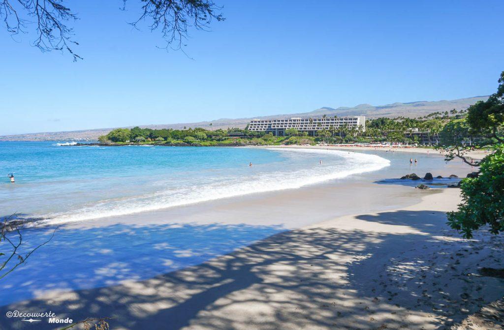Big Island : Mon voyage de 10 jours sur la plus grande des îles d'Hawaii. Ici la plage de Mauna Kea. Retrouvez l'article ici: https://www.decouvertemonde.com/big-island-voyage-iles-hawaii