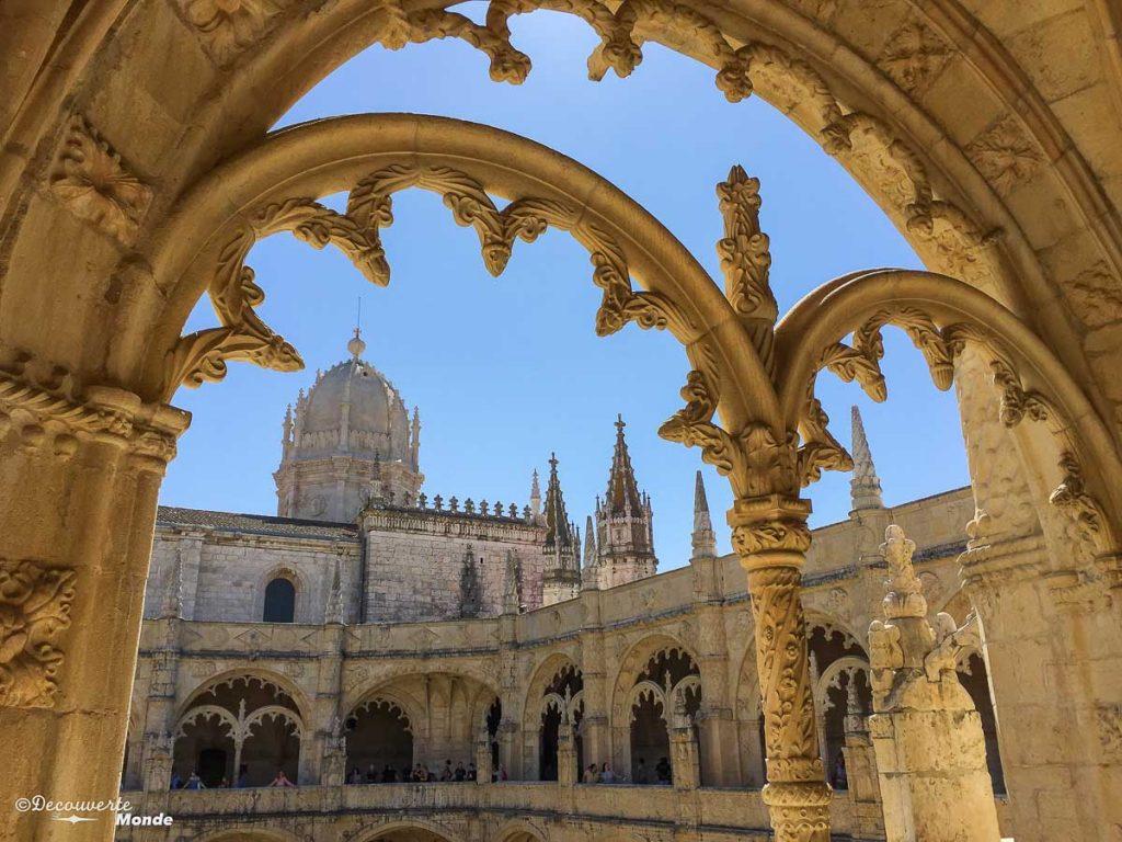 Où aller au Portugal : Mon itinéraire pour visiter le Portugal en 7 jours. Ici au monastère de Belem à Lisbonne. Retrouvez l'article ici: https://www.decouvertemonde.com/ou-aller-au-portugal-itineraire-visiter-7jours