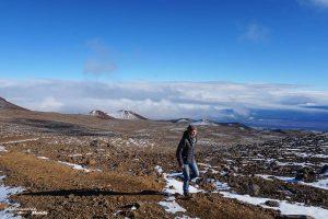 Big Island : Mon voyage de 10 jours sur la plus grande des îles d'Hawaii. Ici en randonnée jusqu'au lac Wai'au sur le volcan Mauna kea. Retrouvez l'article ici: https://www.decouvertemonde.com/big-island-voyage-iles-hawaii
