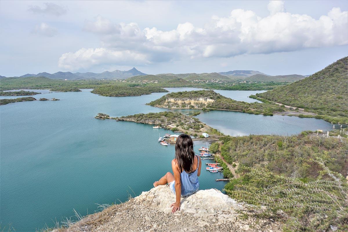 Îles des Caraïbes à visiter en 10 coups de coeur. Ici la surprenante Curaçao. Retrouvez l'article ici: https://www.decouvertemonde.com/iles-des-caraibes-a-visiter