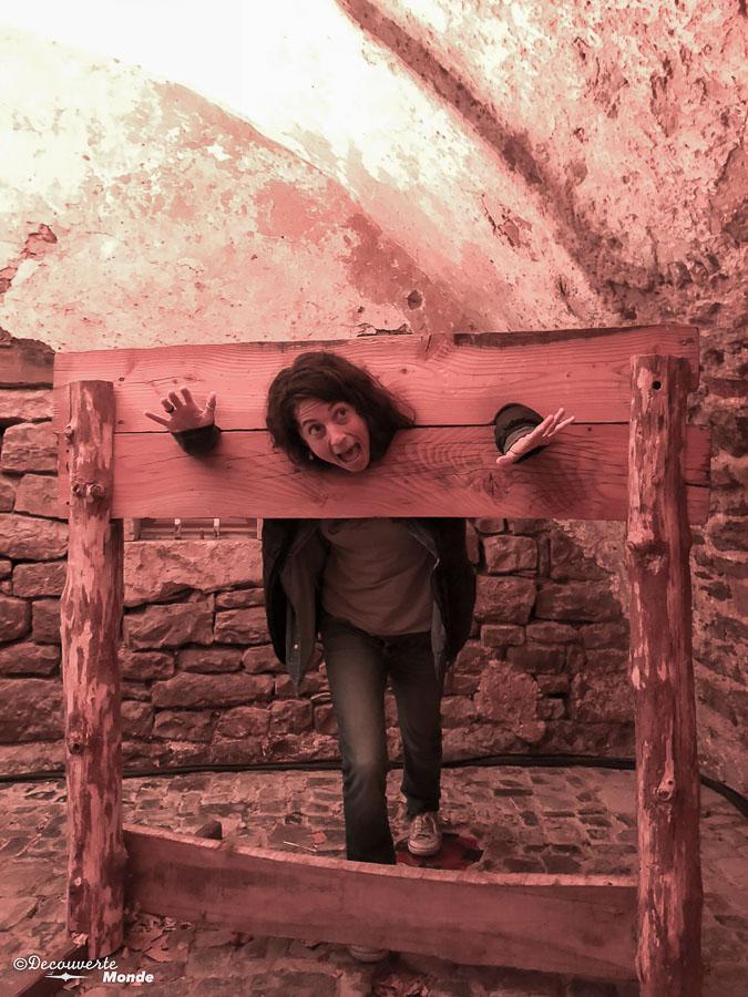 Au village médiéval de Sainte-Eulalie-de-Cernon, un village à visiter en Aveyron. Photo tirée de mon article Visiter l'Aveyron en France : Que faire autour de Millau le temps d'un week-end #aveyron #france #millau #sainteeulaliedecernon #europe #voyage #villagedefrance #medieval