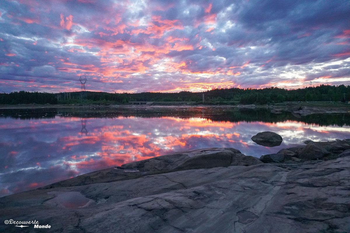 Coucher de soleil au Parc des Écureuils à Sept-îles. Photo tirée de mon article Quoi faire à Sept-Îles au Québec : Voyage et tourisme sur la Côte-Nord. #septiles #cotenord #quebec #voyage #quebecoriginal #explorecanada #canada #sunset