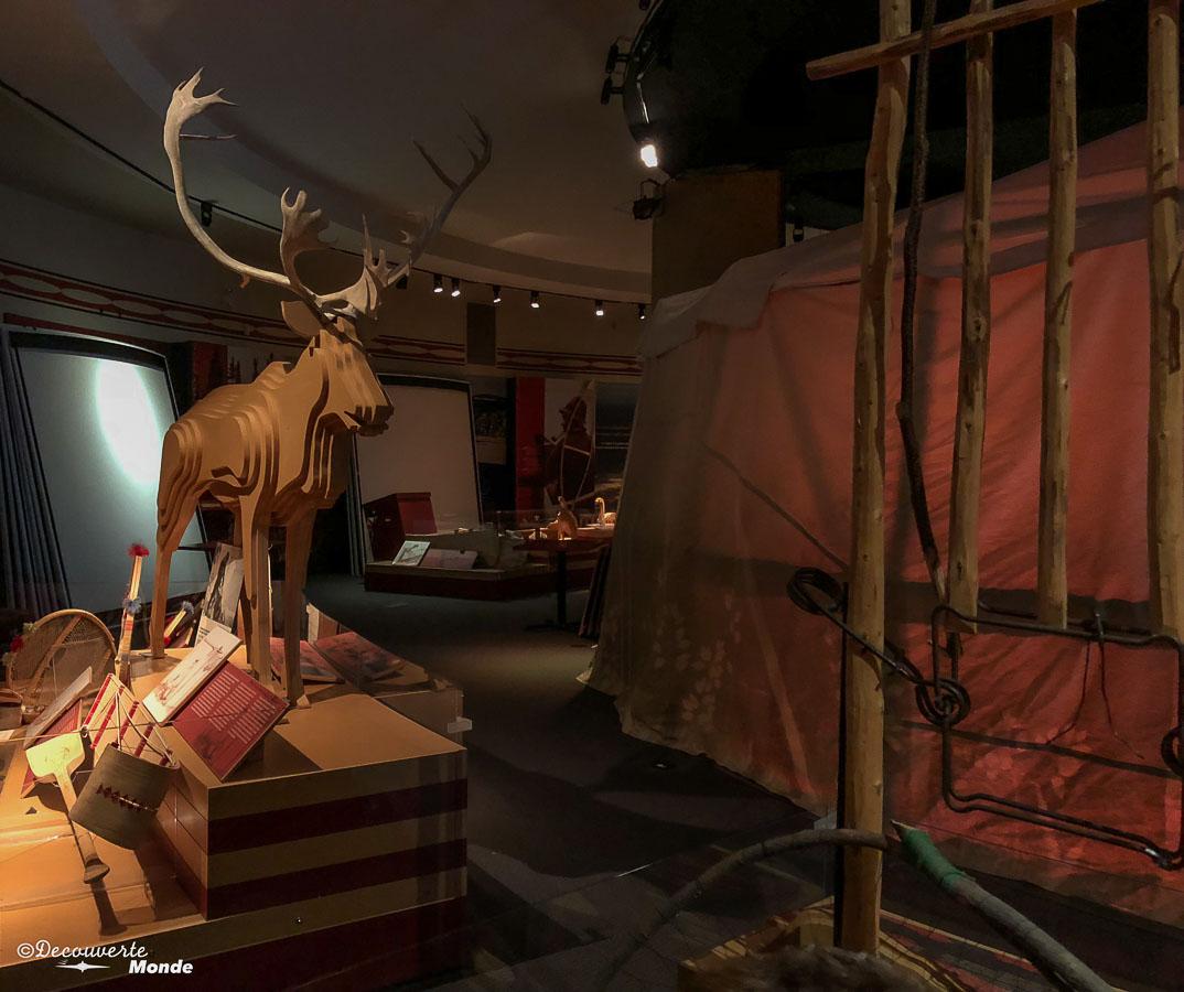 Au musée innu Shaputuan de Sept-îles. Photo tirée de mon article Quoi faire à Sept-Îles au Québec : Voyage et tourisme sur la Côte-Nord. #septiles #cotenord #quebec #voyage #quebecoriginal #explorecanada #canada