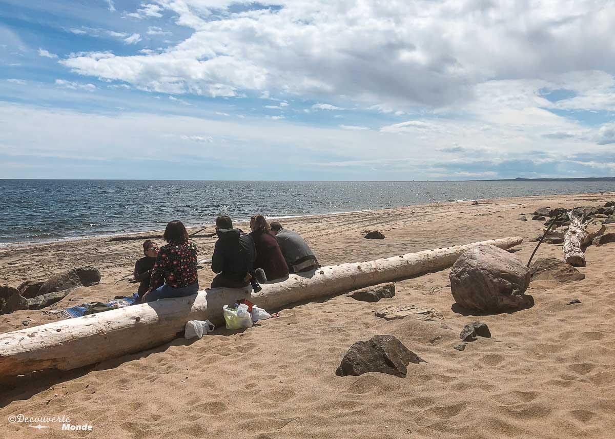 Pique-Nique sur la plage de Clarke City à Sept-îles. Photo tirée de mon article Quoi faire à Sept-Îles au Québec : Voyage et tourisme sur la Côte-Nord. #septiles #cotenord #quebec #voyage #quebecoriginal #explorecanada #canada #plage