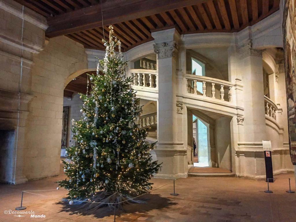 L'escalier du château de Chambord en France. Photo tirée de mon article Châteaux de France : Mes découvertes au fil de mes voyages. #france #europe #voyage #chateau #chambord
