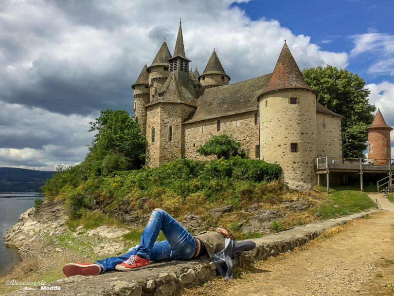 Le château de Val en France. Photo tirée de mon article Châteaux de France : Mes découvertes au fil de mes voyages. #france #europe #voyage #chateau #chateaudeval