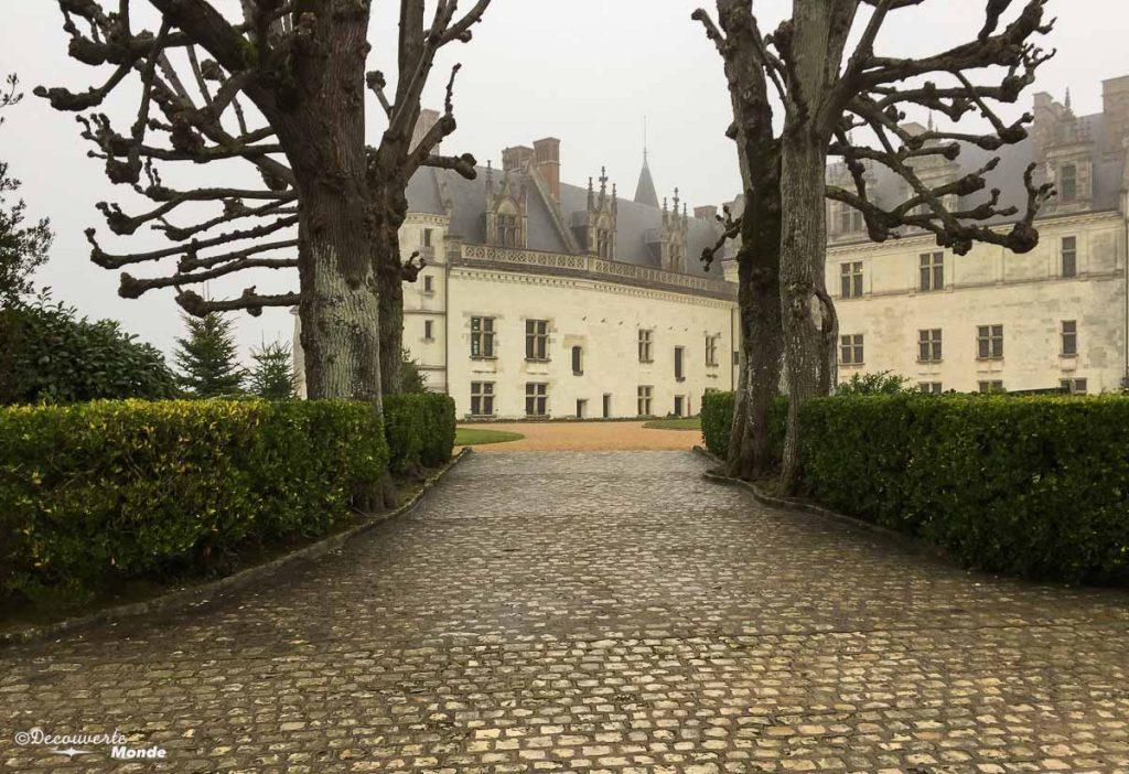 Le château d'Amboise en France. Photo tirée de mon article Châteaux de France : Mes découvertes au fil de mes voyages. #france #europe #voyage #chateau #amboise