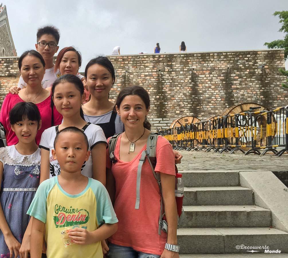Quelques mots d'anglais aide à créer des contacts comme ici en Chine. Dans mon article sur Comment apprendre l'anglais pour voyager : Mes différentes astuces. #anglais #apprendrelanglais