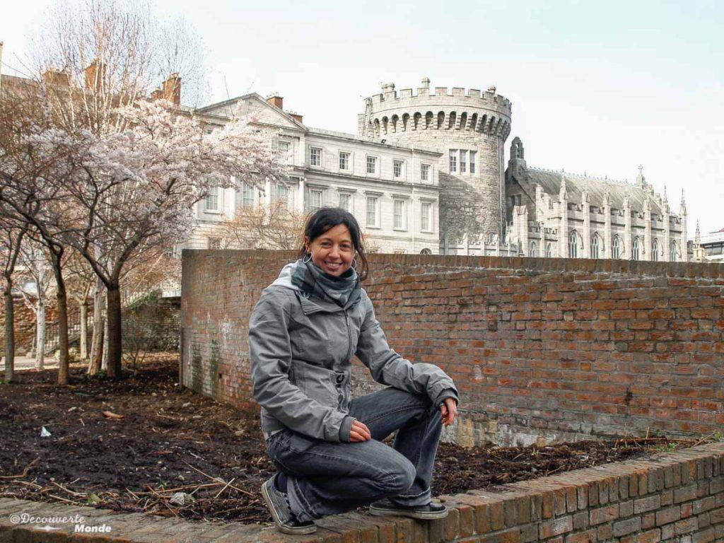 Le château de Dublin en Irlande. Photo tirée de mon article Visiter Dublin en Irlande : Que voir et faire le temps d'un weekend. #irlande #dublin #europe #voyage #chateau