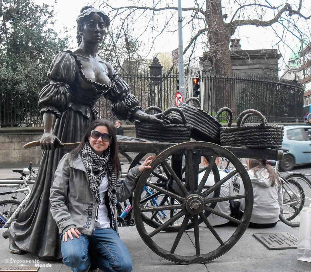 La statue de Molly Malone à Dublin. Photo tirée de mon article Visiter Dublin en Irlande : Que voir et faire le temps d'un weekend. #irlande #dublin #europe #voyage