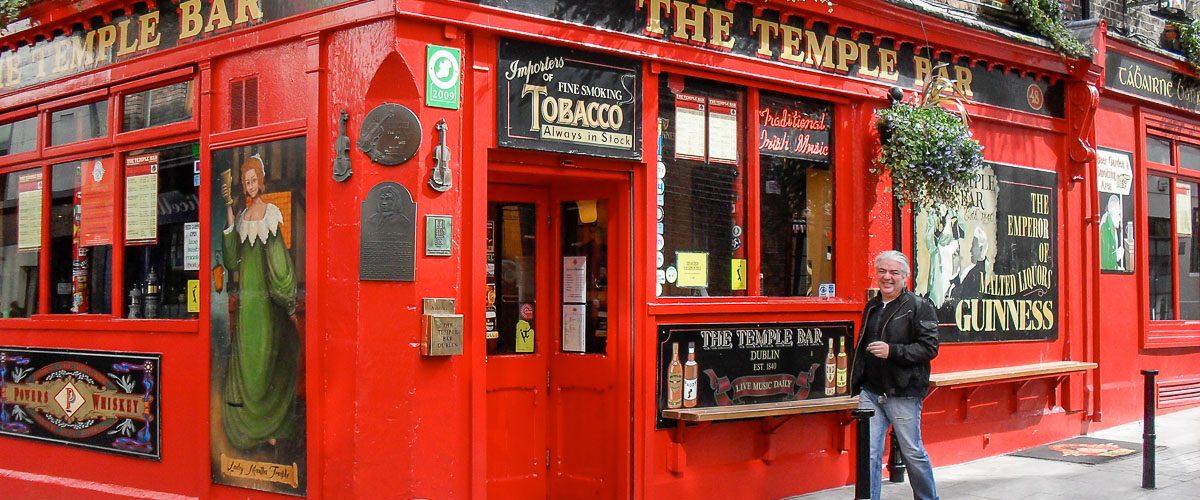 Temple bar. Photo tirée de mon article Visiter Dublin en Irlande : Que voir et faire le temps d'un weekend. #irlande #dublin #europe #voyage #templebar