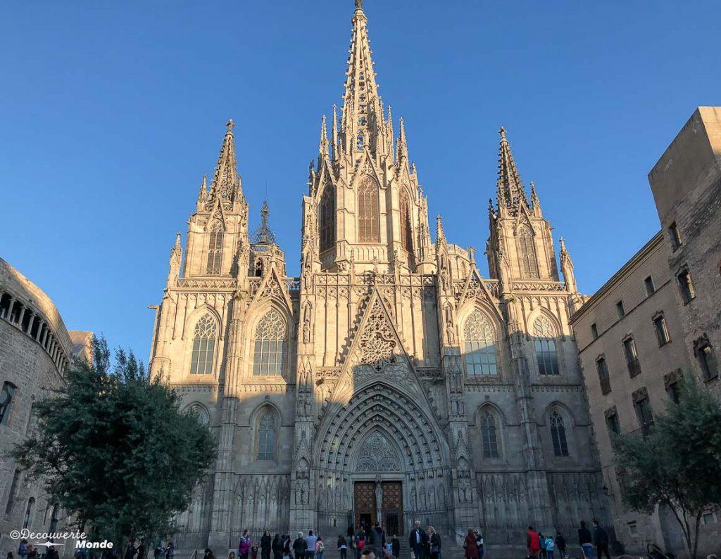 La cathédrale de Barcelone. Dans mon article Visiter Barcelone en Espagne : Que faire et voir le temps d'un week-end. | Que faire à Barcelone et que voir | Quoi voir à Barcelone et quoi faire | Que visiter à Barcelone | Activités à Barcelone | Où dormir à Barcelone| #barcelone #barcelona #europe #espagne #catalogne #citytrip #voyage