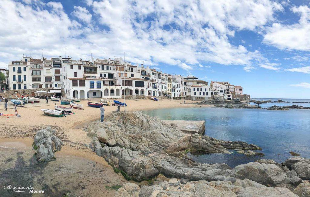Le village de Calella de Palafrugell sur la Costa Brava dans mon article Visiter la Catalogne en Espagne : Que voir et que faire en 8 lieux à visiter #espagne #catalogne #europe #barcelone #voyage #costabrava
