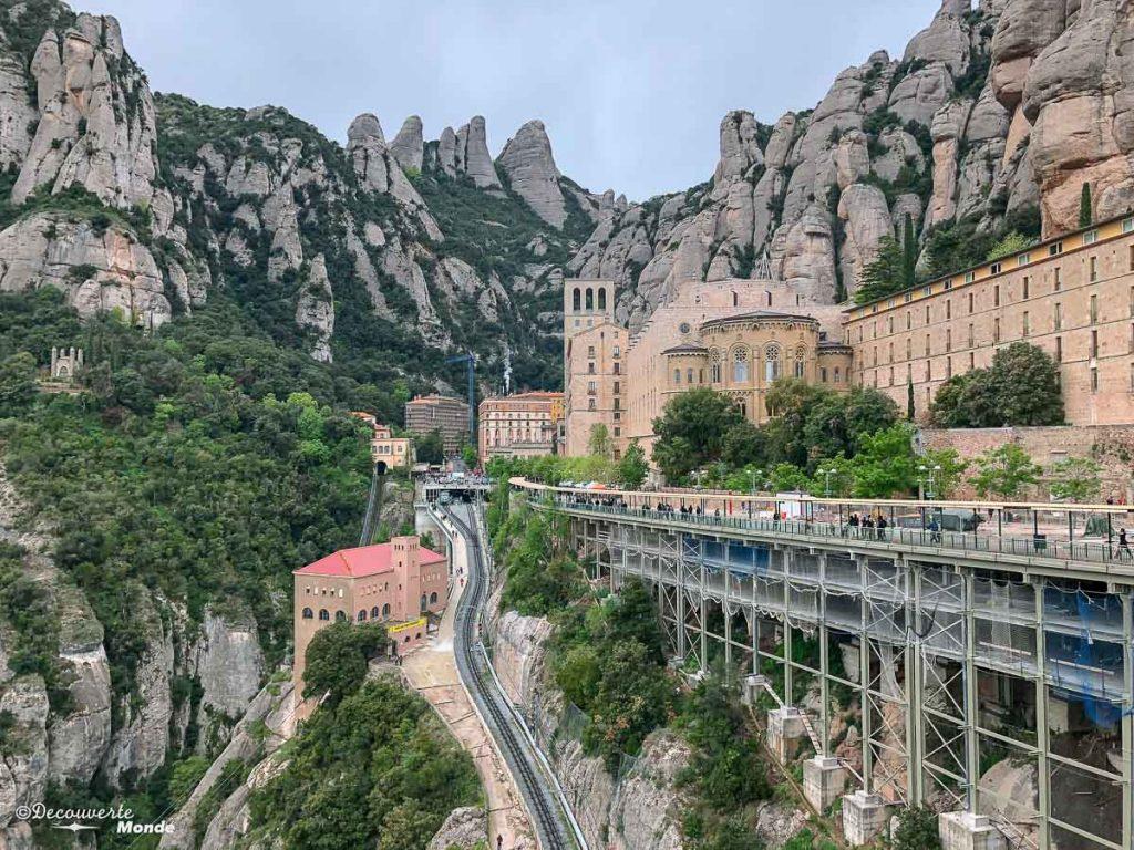 Le monastère de Montserrat dans mon article Visiter la Catalogne en Espagne : Que voir et que faire en 8 lieux à visiter #espagne #catalogne #europe #barcelone #voyage #montserrat