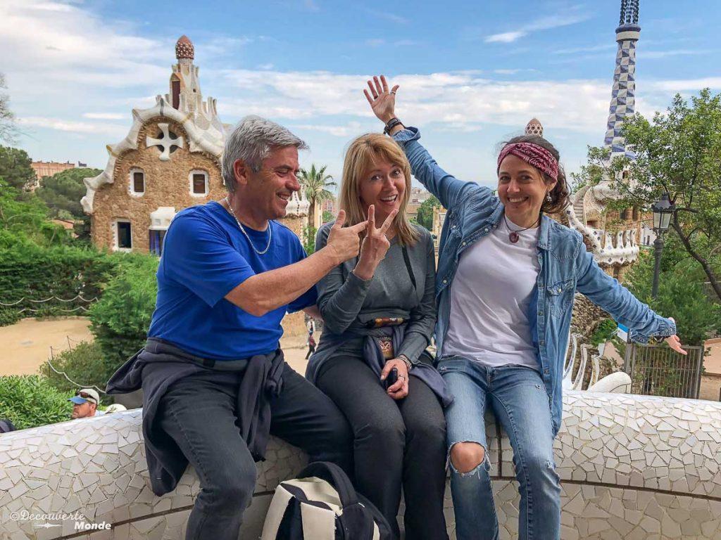 Au parc Güell à Barcelone dans mon article Visiter la Catalogne en Espagne : Que voir et que faire en 8 lieux à visiter #espagne #catalogne #europe #barcelone #voyage #gaudi