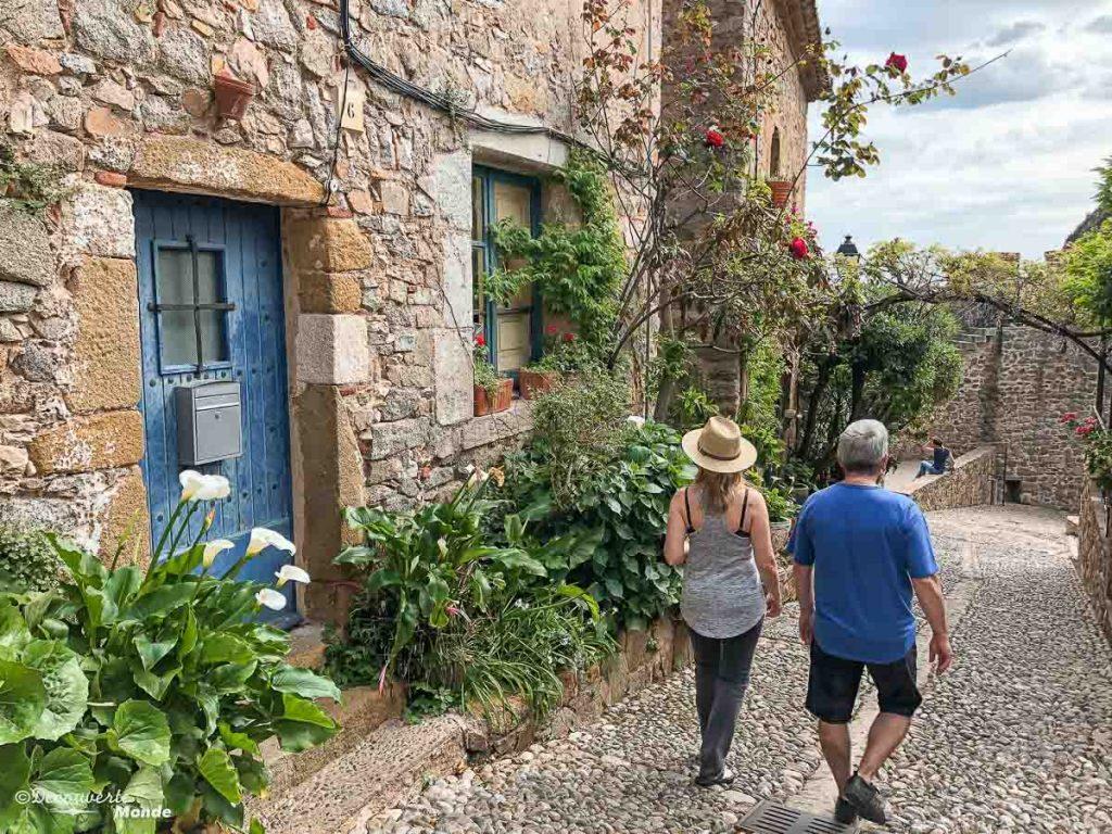 Dans la vieille ville de Tossa de Mar sur la Costa Brava dans mon article Visiter la Catalogne en Espagne : Que voir et que faire en 8 lieux à visiter #espagne #catalogne #europe #barcelone #voyage #costabrava #tossademar