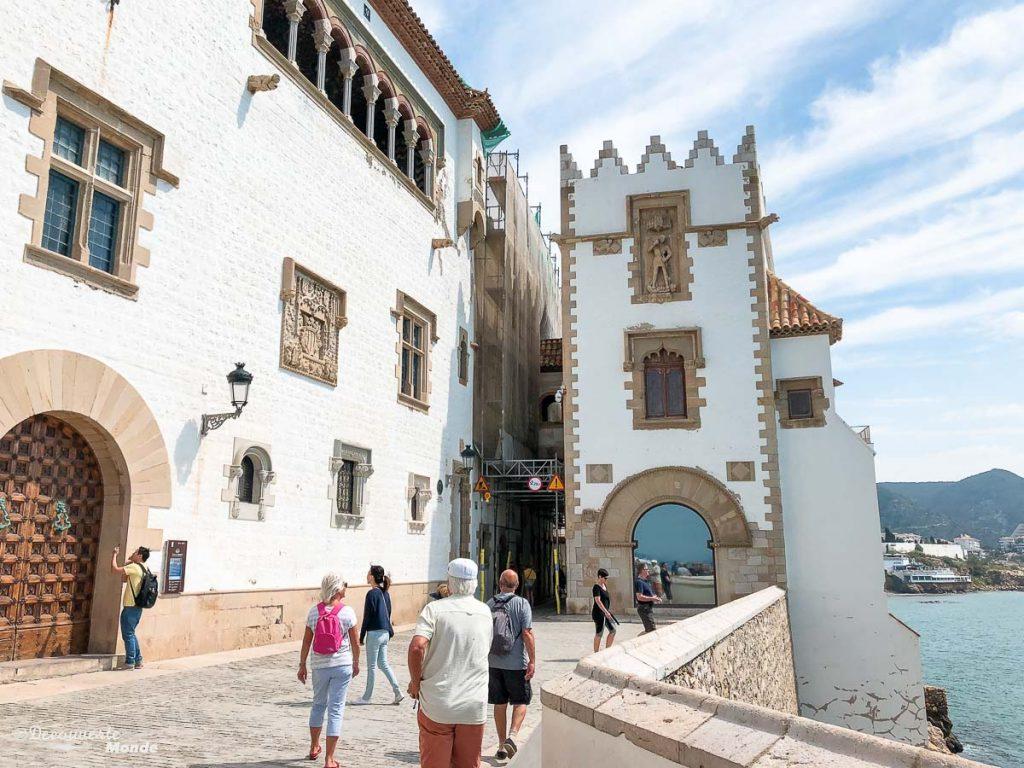 Sitges sur la Costa Dorada dans mon article Visiter la Catalogne en Espagne : Que voir et que faire en 8 lieux à visiter #espagne #catalogne #europe #voyage #sitges #costadorada