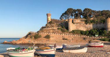 Tossa de Mar sur la Costa Brava en Catalogne dans mon article Visiter la Catalogne en Espagne : Que voir et que faire en 8 lieux à visiter #espagne #catalogne #europe #voyage #tossademar #costabrava #plage