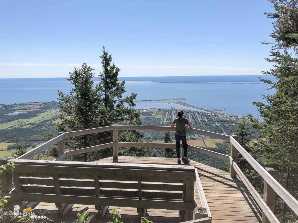 Belvédère à Carleton-sur-Mer dans mon article Gaspésie en 10 jours : Itinéraire de mon tour de la Gaspésie en road trip #gaspesie #quebec #canada #voyage #quebecoriginal #explorecanada #carletonsurmer