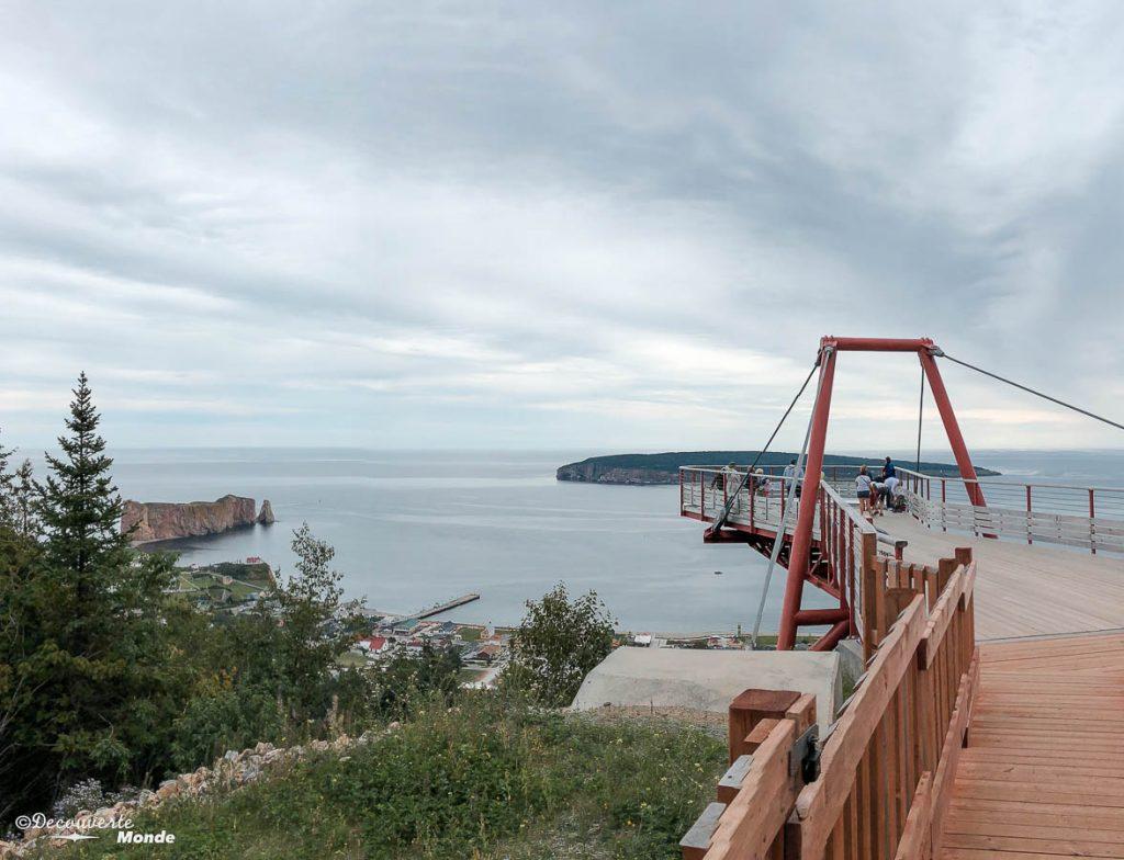 Plateforme du Geoparc de Percé dans mon article Gaspésie en 10 jours : Itinéraire de mon tour de la Gaspésie en road trip #gaspesie #quebec #canada #voyage #quebecoriginal #explorecanada #coucherdesoleil #perce #rocherperce