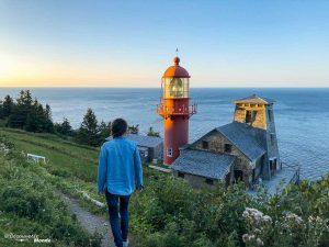 Le phare de la Pointe-à-la-Renommée dans mon article Gaspésie en 10 jours : Itinéraire de mon tour de la Gaspésie en road trip #gaspesie #quebec #canada #voyage #quebecoriginal #explorecanada #phare