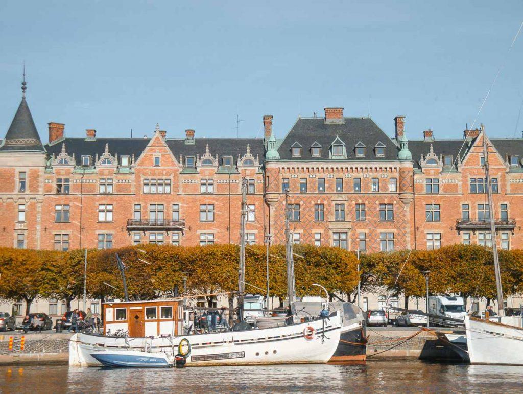 Croisière sur le Canal Royal à Stockholm dans mon article Visiter Stockholm : Que faire à Stockholm en 10 coups de coeur #suede #stockholm #europe #voyage #scandinavie #citytrip