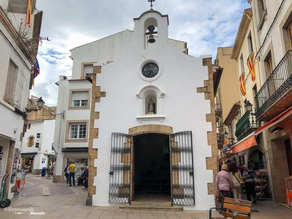 Dans les rues de la ville nouvelle de Tossa de Mar dans mon article Visiter la Costa Brava en Espagne : Que faire en 7 lieux à visiter #costabrava #espagne #catalogne #europe #voyage #tossademar
